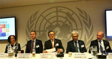 Panel af fem eksperter som ordstyrer