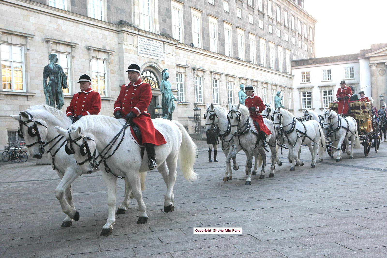 Gardere paa hvide heste
