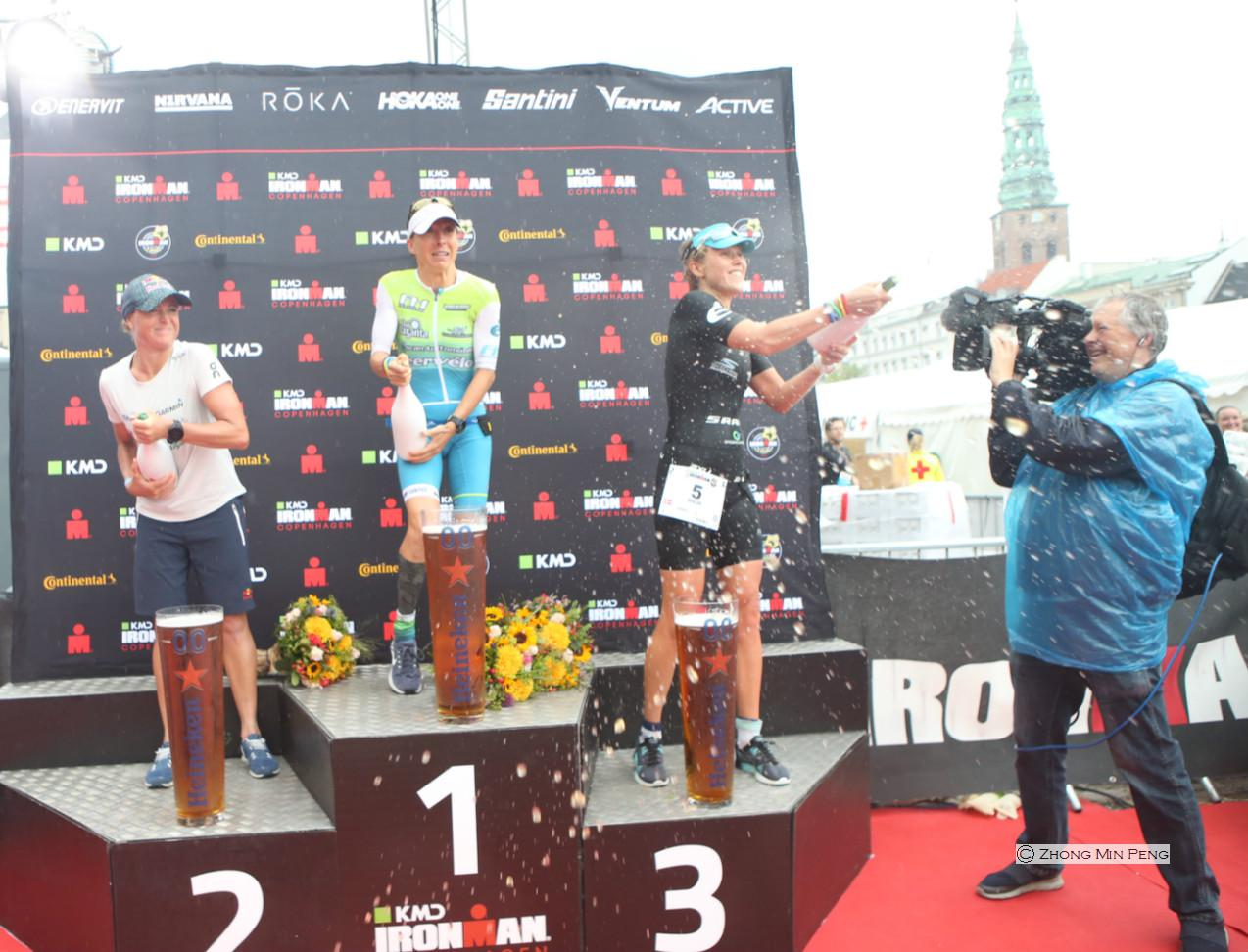 Venstre Anne Haug, midten Camilla Pedersen, hoejre Maja Stage Nielsen