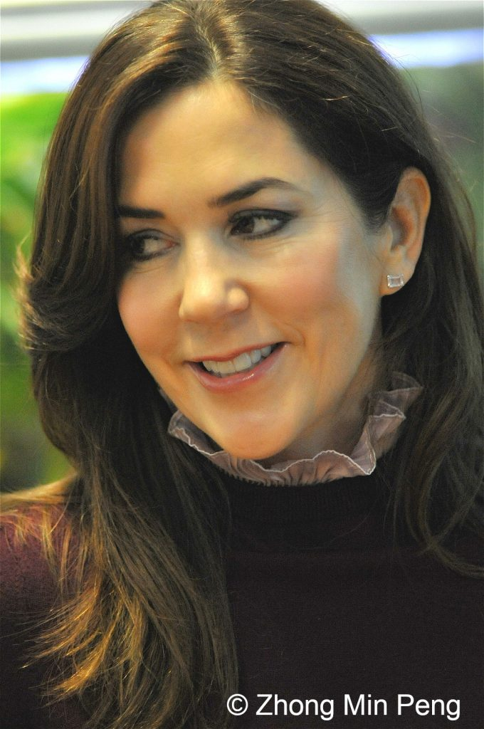 Crownprincess Mary of Denmark looks to her right side