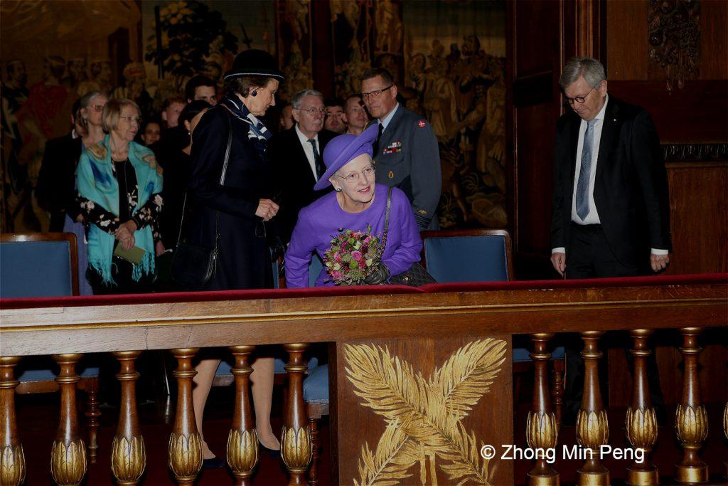 Dronningen af Danmark deltog i den aarlige hoejtidelighed
