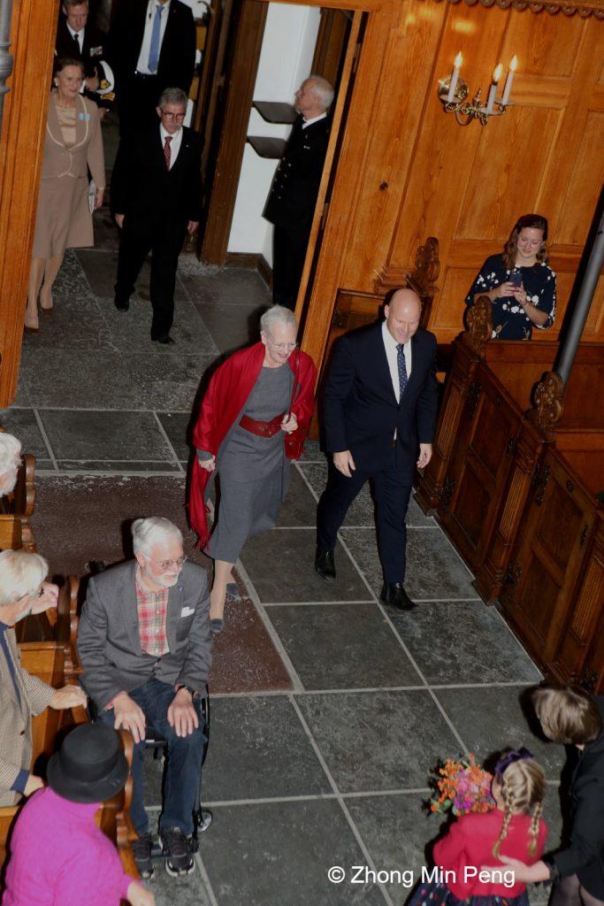 Dronningen er til stede ved koncert i anledning af Holmens Kirkes 400 aar