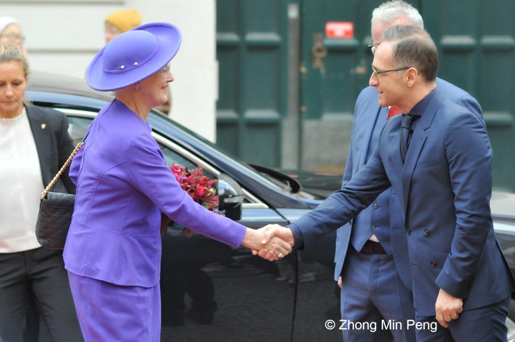 Her Majesty the Queen is welcomed by Rane Willerslev, Rasmus Prehn, and Heiko Maas