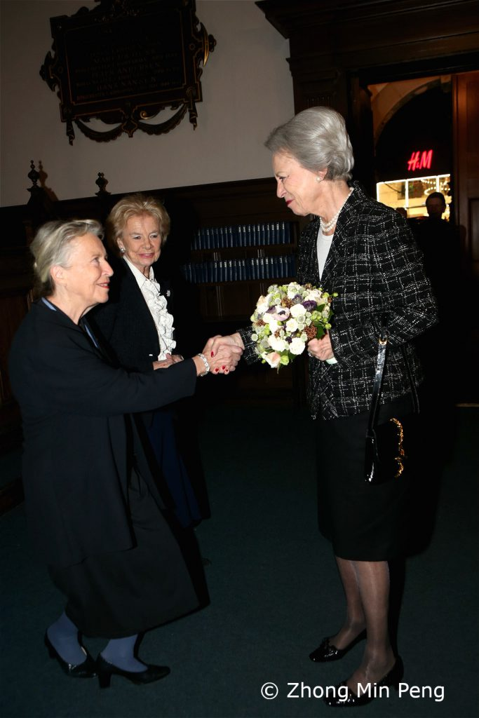 Osteoporoseforeningens praesidium modtager Prinsesse Benedikte