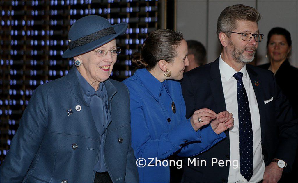 Dronningen blev modtaget af Kobenhavns overborgmester Frank Jensen og museumsdirektor Marius Hansteen ved ankomsten